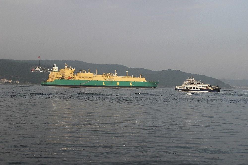 2018/02/dogalgaz-tankeri-canakkale-bogazindan-gecti-20180207AW30-1.jpg