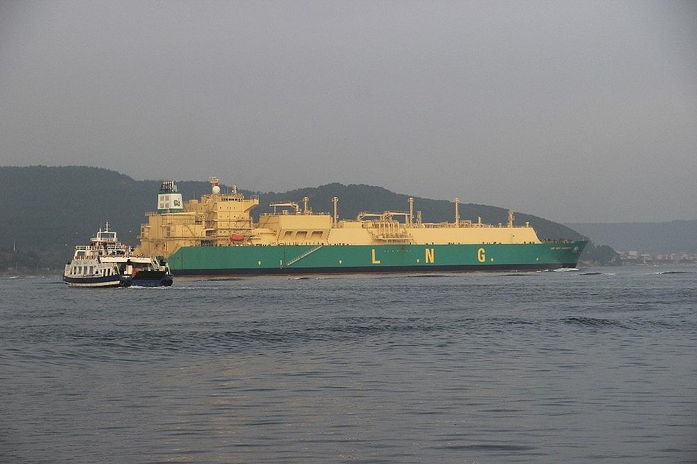 2018/02/dogalgaz-tankeri-canakkale-bogazindan-gecti-20180207AW30-2.jpg