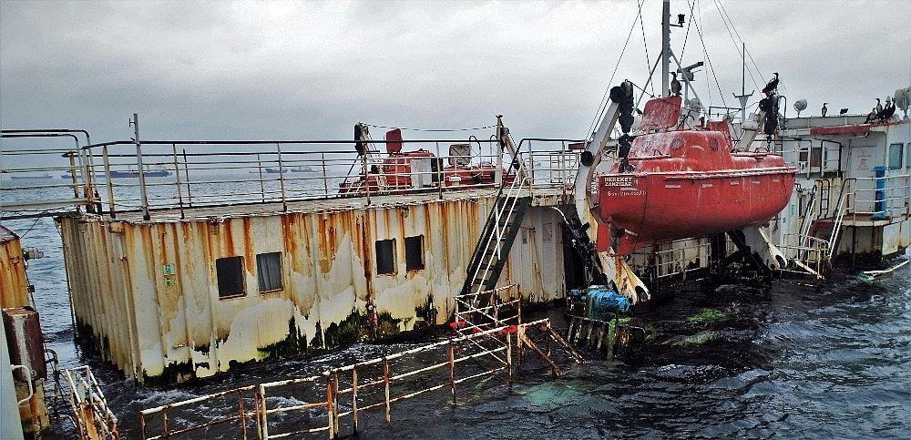 2018/02/marmara-denizindeki-hayalet-gemiler-havadan-goruntulendi-20180220AW31-7.jpg