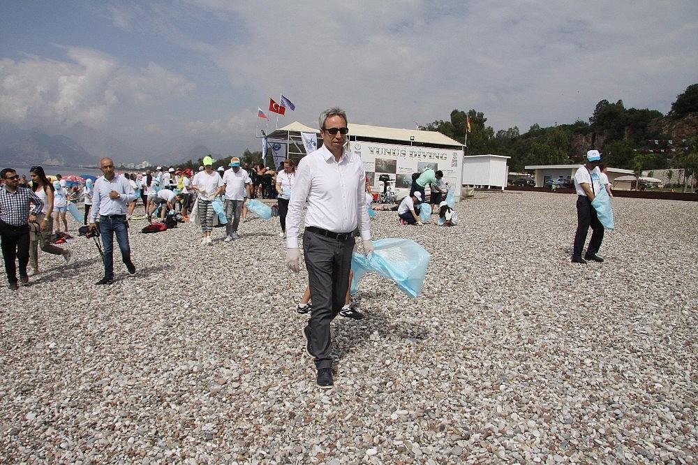 2018/05/sezon-oncesi-sahil-ve-deniz-temizligi-20180526AW40-3.jpg
