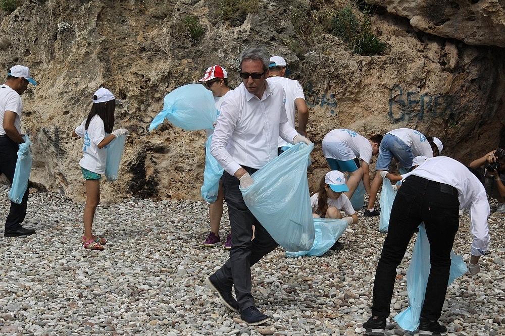 2018/05/sezon-oncesi-sahil-ve-deniz-temizligi-20180526AW40-4.jpg