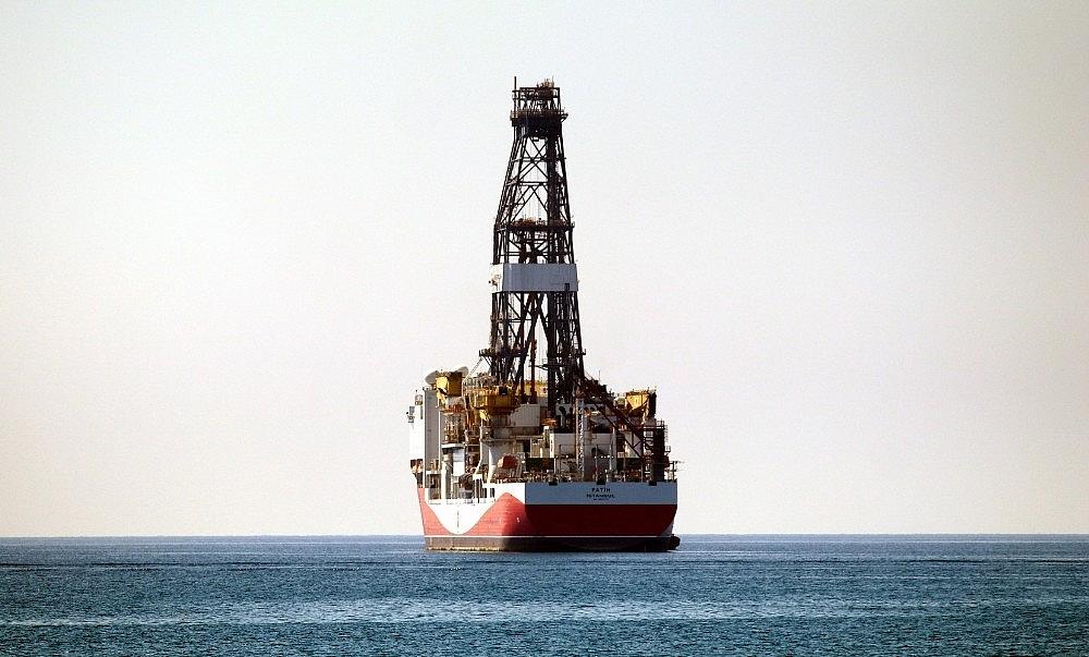 2018/06/turkiyenin-dogalgaz-ve-petrol-arama-gemisi-akdenizde-20180605AW41-4.jpg