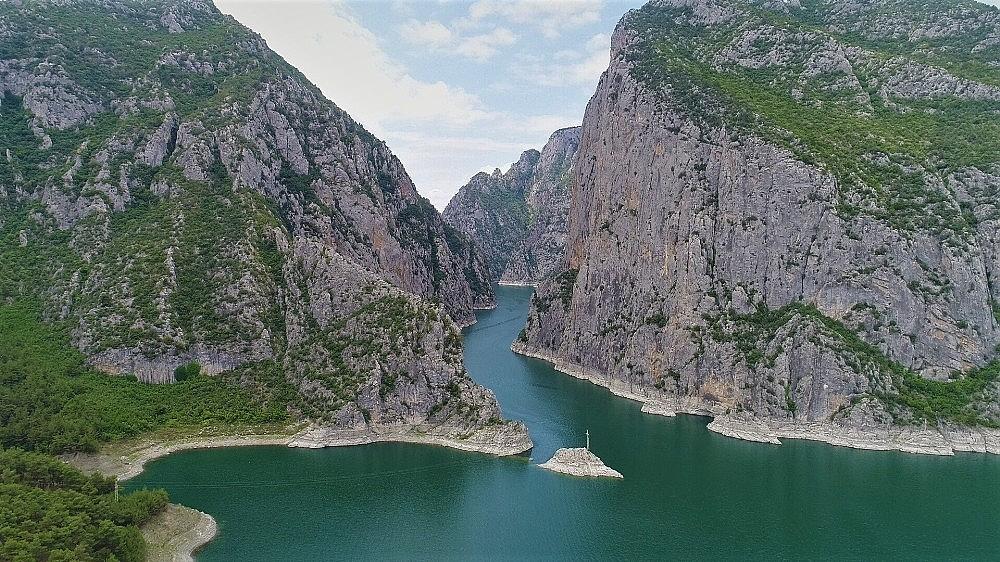 2018/07/turkiyenin-2nci-buyuk-kanyonu-turistlerin-yeni-gozdesi-20180705AW43-4.jpg