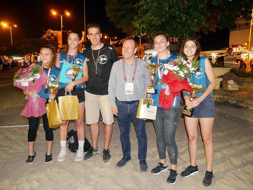 2018/08/buyukcekmecede-beach-volley-ruzgari-esti-20180806AW46-6.jpg