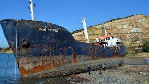 Karaya oturan gemi kurtarılamadı
