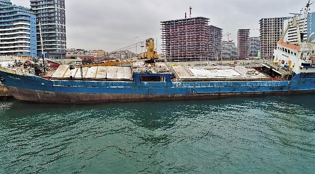 Marmara denizindeki hayalet gemiler havadan görüntülendi