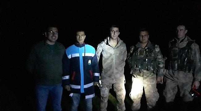 Erciş'te inci kefali balığı için gece nöbeti