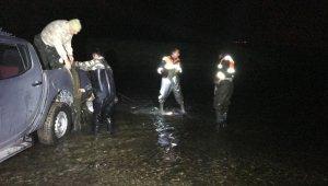 Van Gölü'nde kaçak inci kefali operasyonu