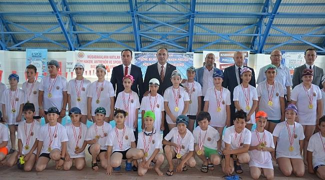 """""""Yüzme Bilmeyen Kalmasın"""" projesinin açılış töreni gerçekleştirildi"""