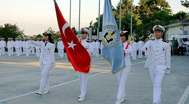 İstanbul Teknik Üniversitesi Denizcilik Fakültesi'nde Mezuniyet Coşkusu