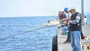 Amatör balıkçıların bereketli balık avı