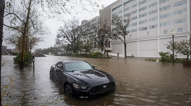 Wilmington şehri kasırga nedeniyle sular altında
