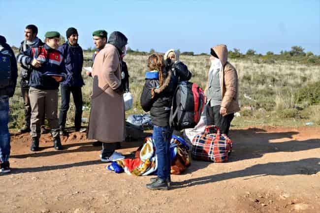 Sığınmacıları Midilli yerine Alibey Adası'na bıraktılar