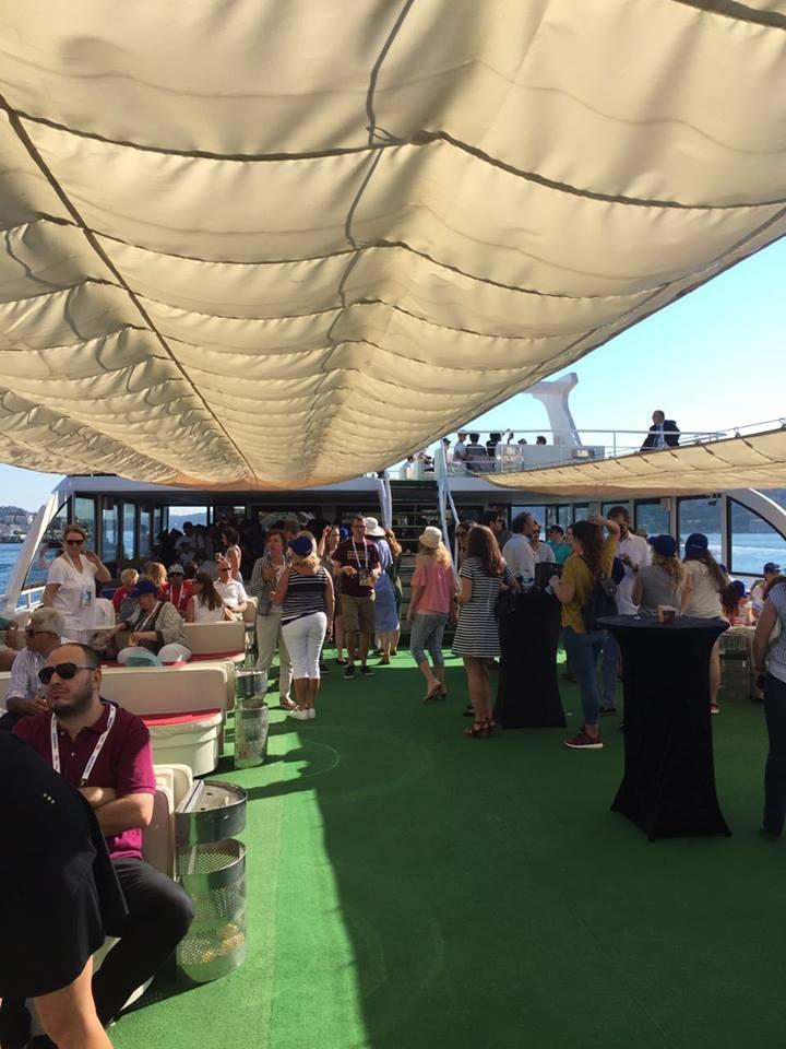 İstanbul Boğazı Yüzücülerle Renklendi