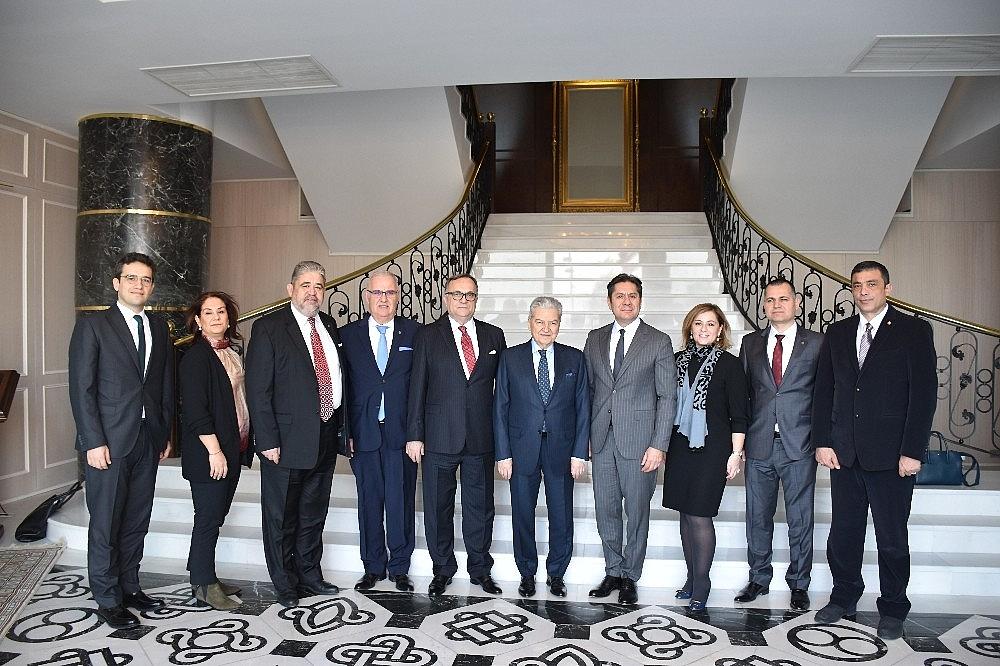 2018/01/izmir-ticaret-odasi-uyelerine-kredi-kolayligi-20180130AW29-2.jpg