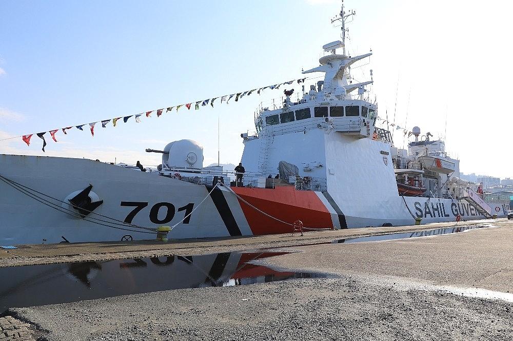 2018/01/rizeye-sahil-guvenlik-komutanligina-bagli-tcsg-dost-arama-kurtarma-gemisi-demir-atti-20180130AW29-2.jpg