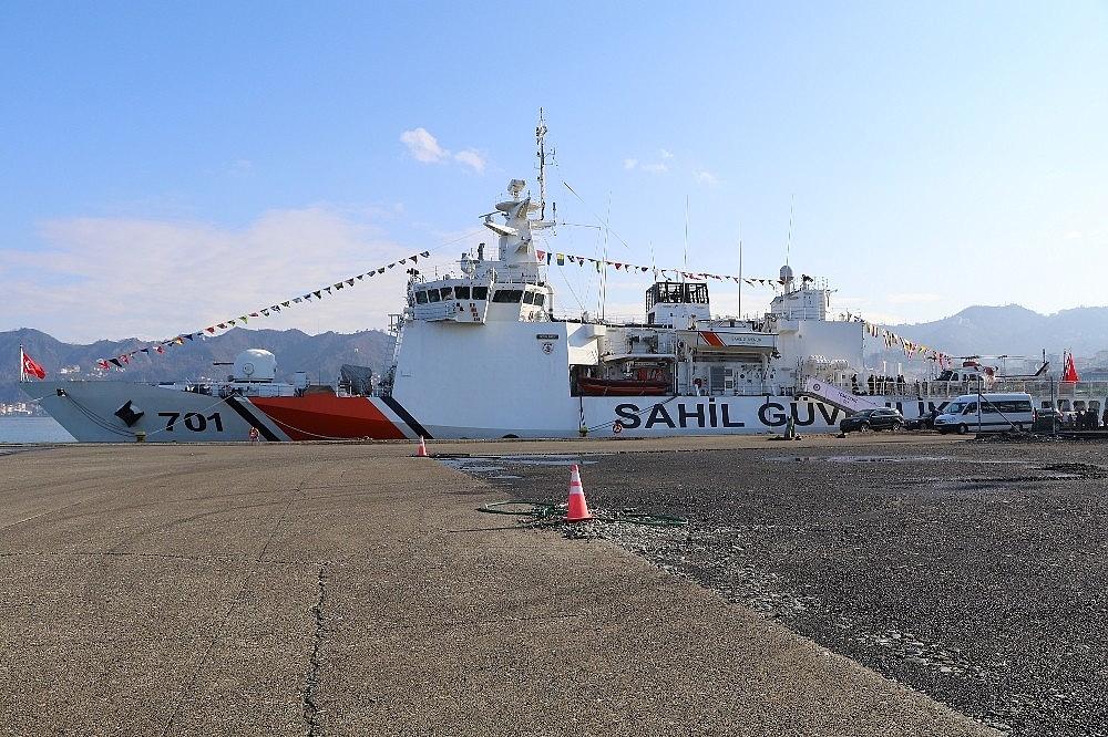 2018/01/rizeye-sahil-guvenlik-komutanligina-bagli-tcsg-dost-arama-kurtarma-gemisi-demir-atti-20180130AW29-5.jpg