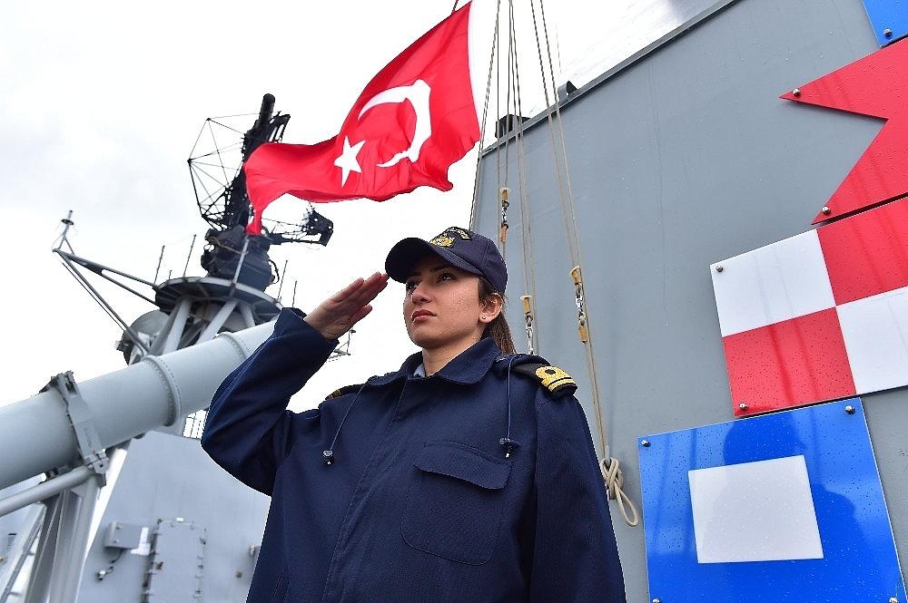 2018/01/turk-savas-gemisinin-perisi-20180108AW27-3.jpg