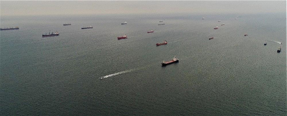 2018/02/marmara-denizindeki-hayalet-gemiler-havadan-goruntulendi-20180220AW31-3.jpg