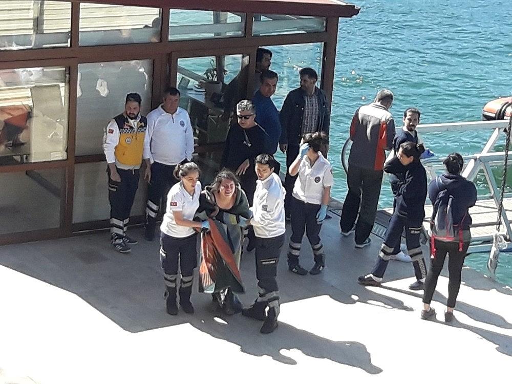 2018/04/fethiyede-batan-teknede-71-ogrenci-ve-6-murettebat-kurtarildi-20180402AW35-3.jpg