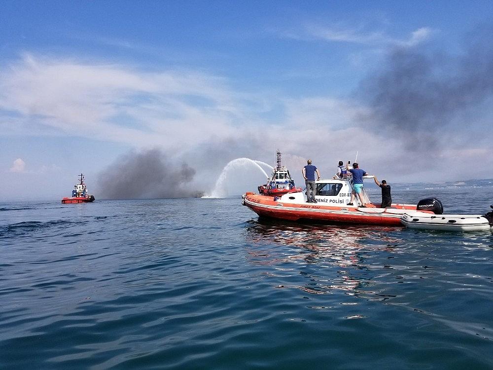 2018/06/batan-teknedeki-2-kisiyi-deniz-polisi-kurtardi-20180606AW41-2.jpg
