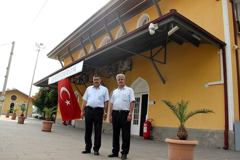 2018/07/103-yillik-tarihi-iskenderun-gari-hizli-treni-bekliyor-20180704AW43-3.jpg