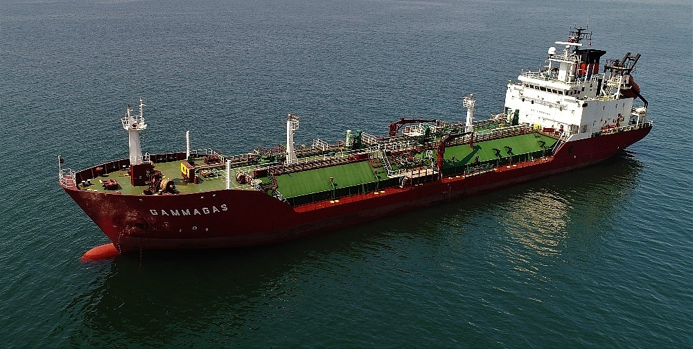 2018/07/kuru-yuk-gemisiyle-carpisan-lpg-tankeri-havadan-goruntulendi-20180705AW43-1.jpg