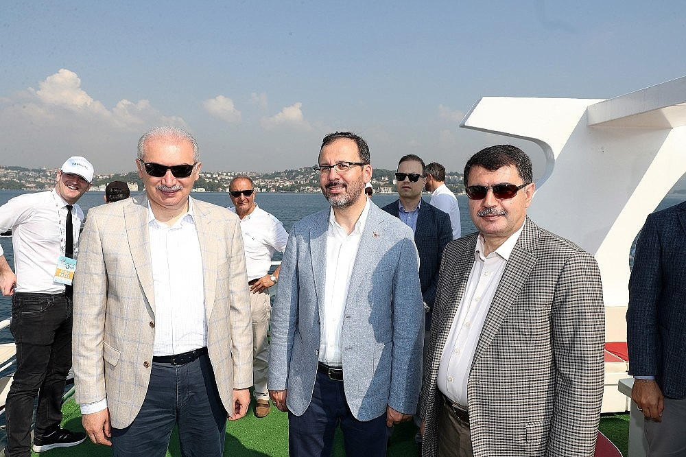 2018/07/turkiye-milli-olimpiyat-komitesi-tarafindan-bogazici-kitalararasi-yuzme-yarisinin-bu-yil-30uncusu-gerceklesti-20180722AW45-10.jpg