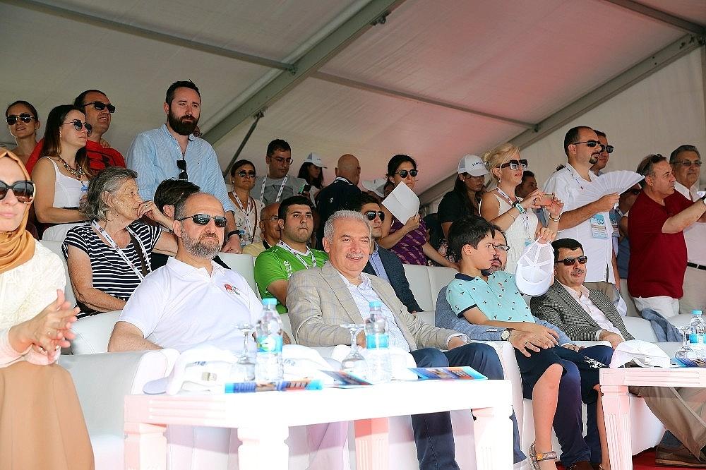 2018/07/turkiye-milli-olimpiyat-komitesi-tarafindan-bogazici-kitalararasi-yuzme-yarisinin-bu-yil-30uncusu-gerceklesti-20180722AW45-7.jpg