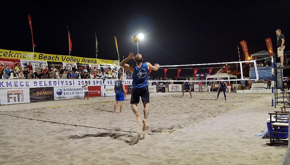2018/08/buyukcekmecede-beach-volley-ruzgari-esti-20180806AW46-2.jpg