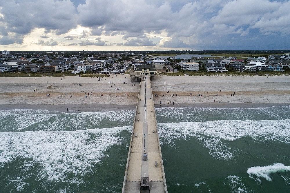 2018/09/florence-kasirgasi-carolina-sahillerine-yaklasiyor-20180912AW48-1.jpg