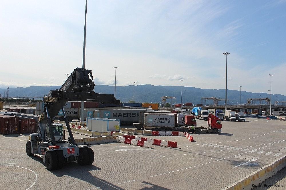 2018/09/kocaelinin-en-buyuk-limani-demiryoluyla-da-hizmet-verecek-20180927AW50-4.jpg