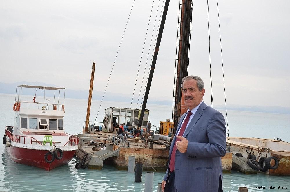 2018/10/adilcevaza-tekne-yanasma-iskelesi-20181002AW50-2.jpg
