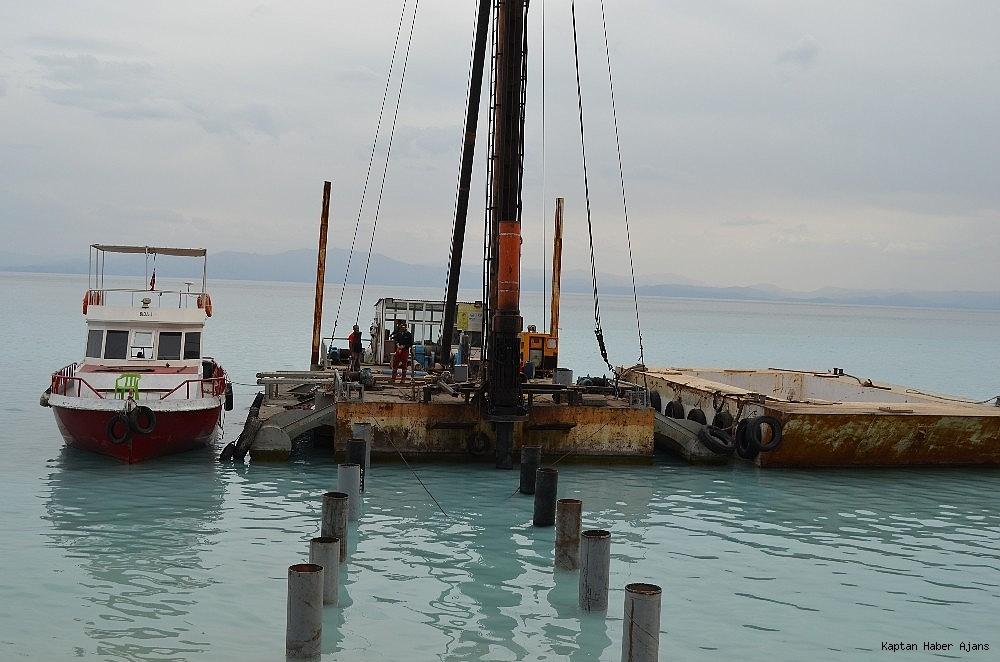 2018/10/adilcevaza-tekne-yanasma-iskelesi-20181002AW50-3.jpg