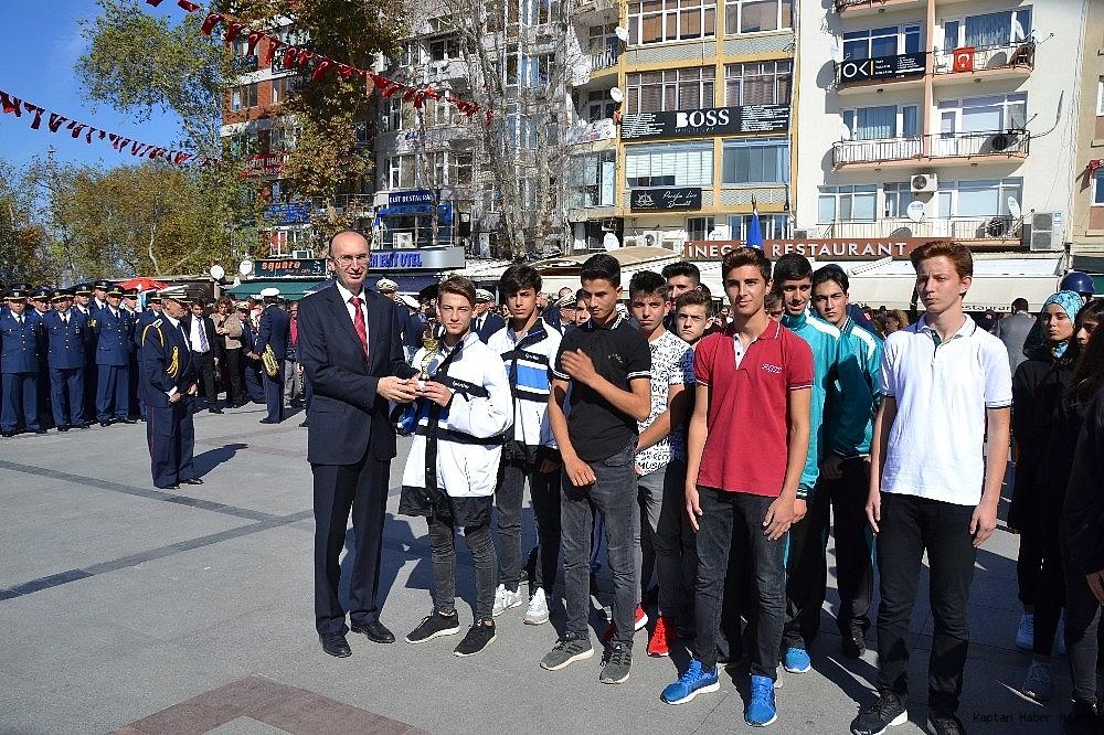2018/10/bandirmada-cumhuriyet-coskusu-20181028AW52-2.jpg