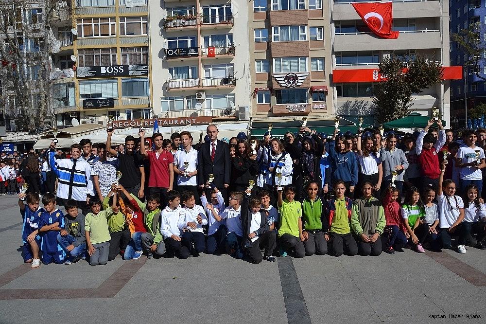 2018/10/bandirmada-cumhuriyet-coskusu-20181028AW52-3.jpg