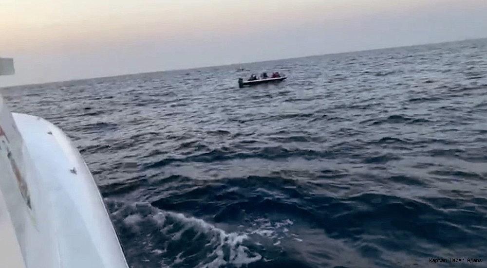 2018/10/didimde-fiber-tekne-ariza-yapti-kacak-gocmenler-mahsur-kaldi-20181011AW51-2.jpg