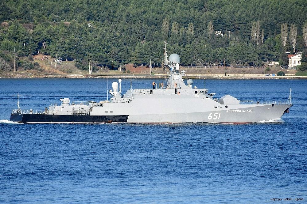 2018/10/rus-savas-gemileri-canakkale-bogazindan-gecti-20181002AW50-3.jpg