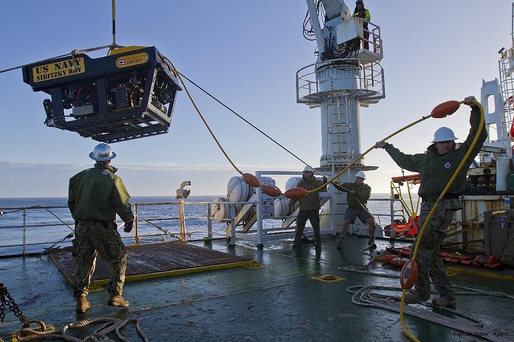2018/11/bir-yildir-kayip-olan-arjantin-askeri-denizaltisi-bulundu-20181117AW54-1.jpg