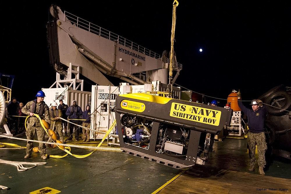 2018/11/bir-yildir-kayip-olan-arjantin-askeri-denizaltisi-bulundu-20181117AW54-2.jpg