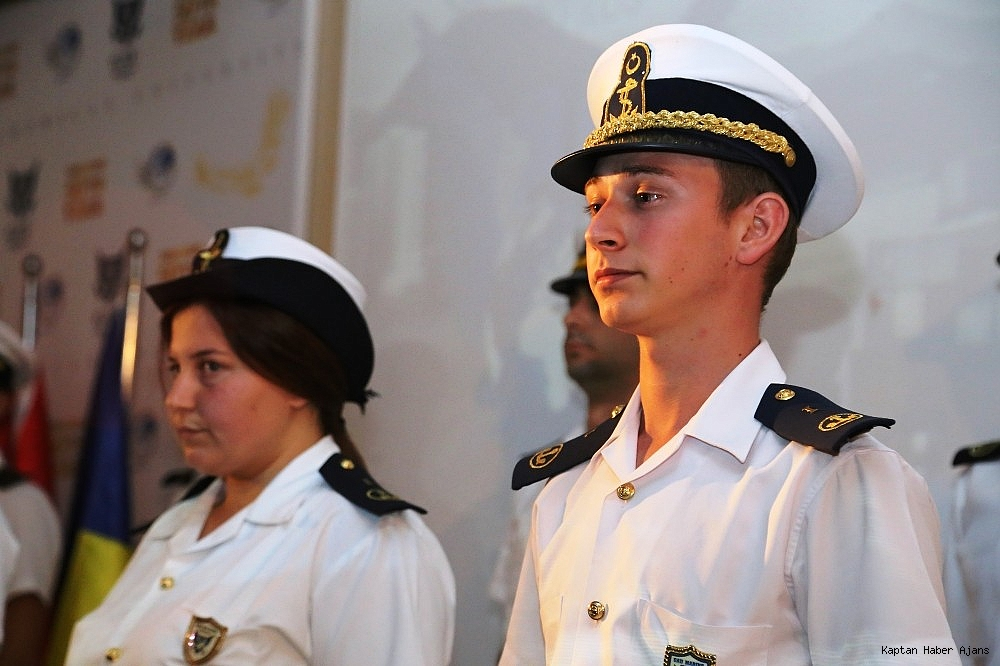 2018/11/genc-denizciler-brovelerini-aldi-20181108AW53-4.jpg