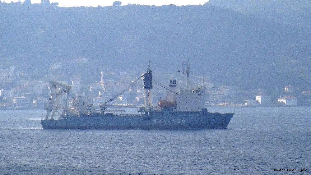 2018/11/rus-askeri-kurtarma-gemisi-bogazdan-gecti-20181101AW53-2.jpg