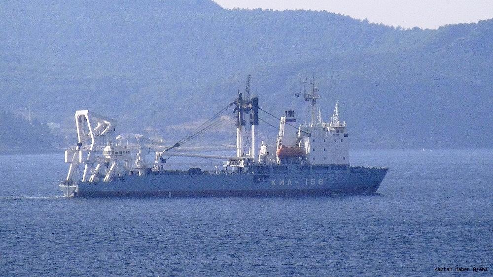 2018/11/rus-askeri-kurtarma-gemisi-bogazdan-gecti-20181101AW53-3.jpg