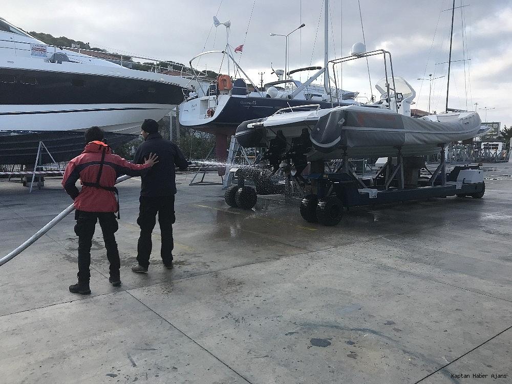 2018/12/cesme-marinada-yangin-tatbikati-20181228AW58-1.jpg
