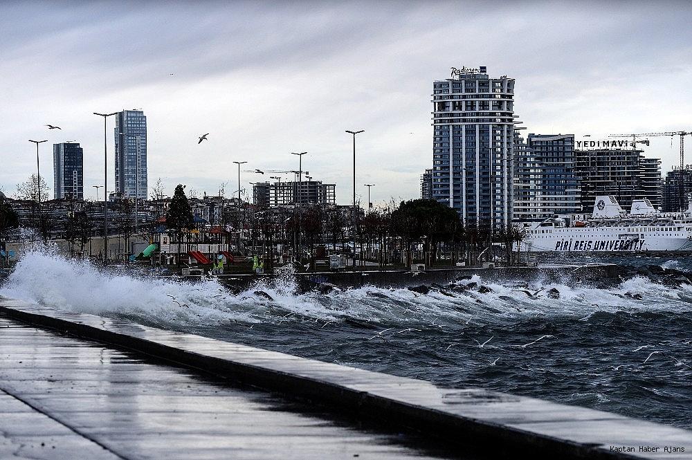 2019/01/istanbulda-lodos-etkili-oluyor-20190111AW59-4.jpg