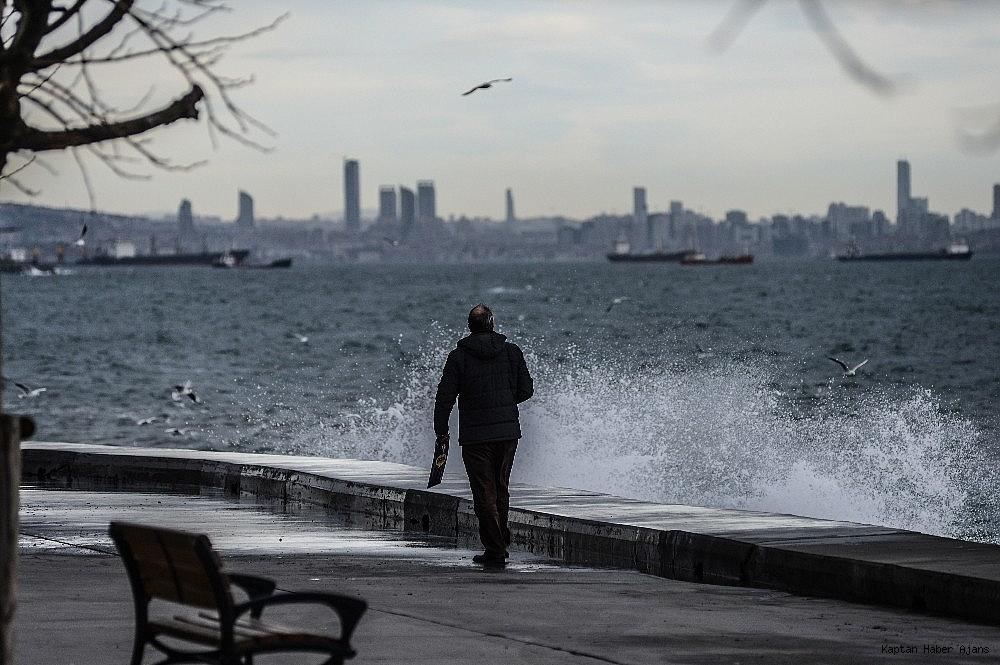 2019/01/istanbulda-lodos-etkili-oluyor-20190111AW59-6.jpg