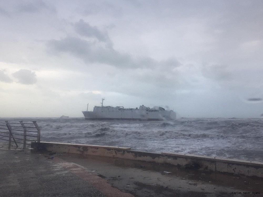 2019/01/karaya-oturan-gemide-400-ton-fuel-oil-bulunuyor-20190115AW59-1.jpg
