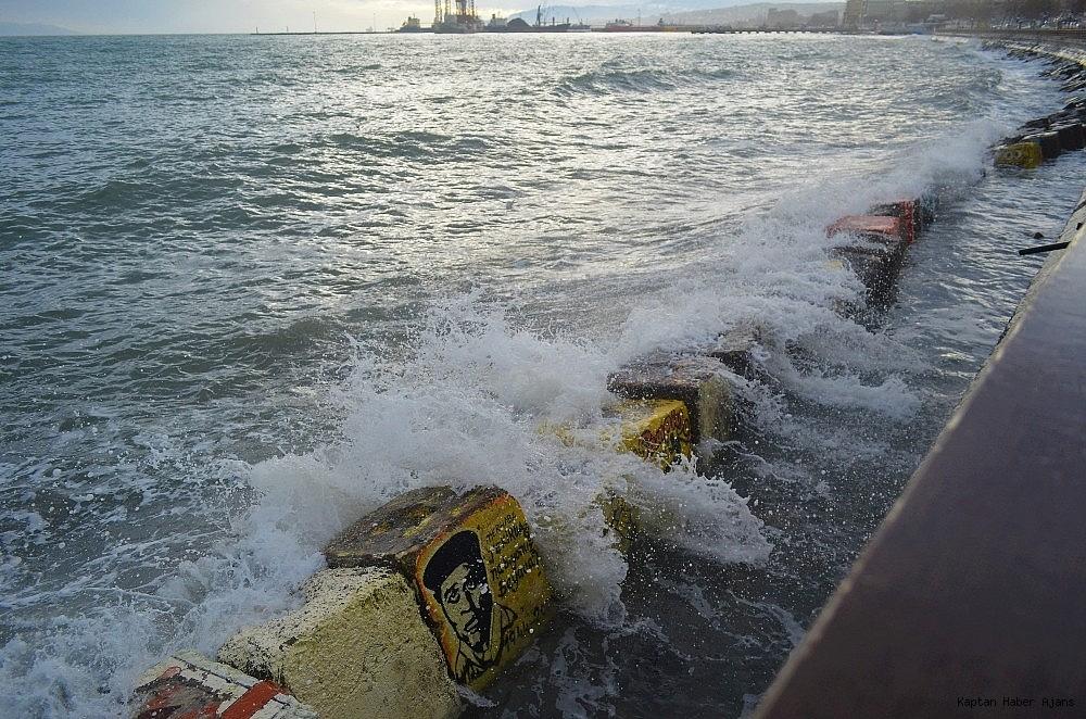 2019/01/marmarada-deniz-ulasimina-lodos-engeli-20190110AW59-1.jpg