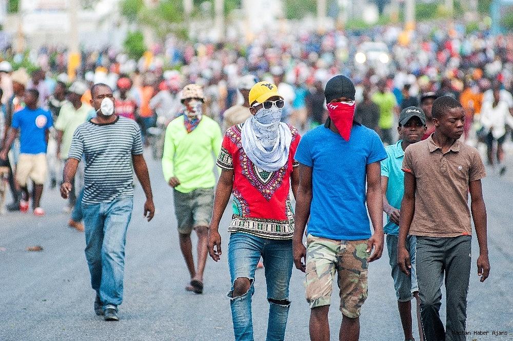2019/02/haiti-devlet-baskani-jovenel-moise-gorevinden-ayrilmayi-reddetti-20190215AW62-1.jpg