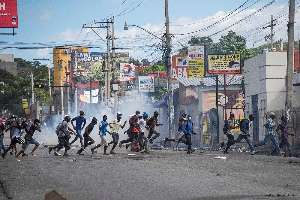 2019/02/haiti-devlet-baskani-jovenel-moise-gorevinden-ayrilmayi-reddetti-20190215AW62-2.jpg